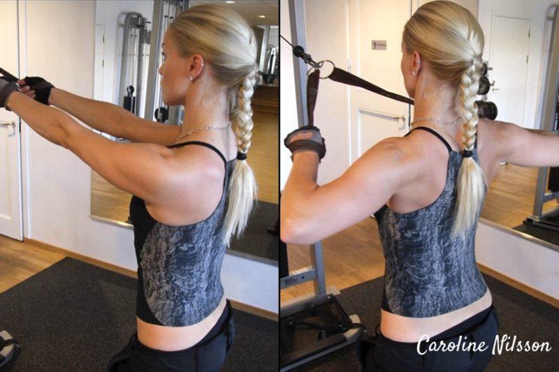 Bra övning för baksida axlar är när du håller ett rep och för överarmarna bakåt
