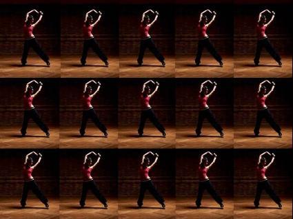 Den trendiga svarta träningsbyxan