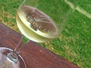 kallt gott vitt vin