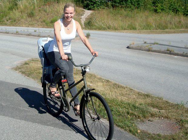 Vidar och jag cyklar