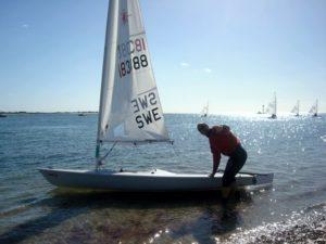Erik seglar iväg