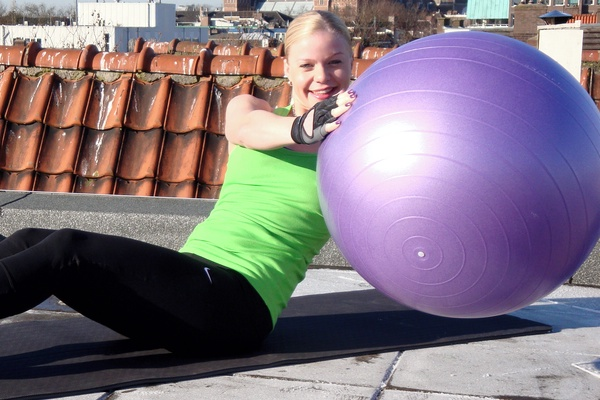 bra magövning med träningsboll