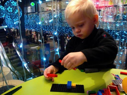 Legoutställning i Skrapan