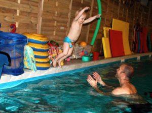 Vidar hoppar i vattnet