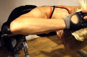lyft överkroppen med ryggmusklerna