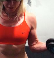 Bicepsböj med hantlar