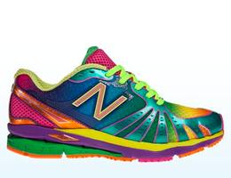 Regnbågsfärgad sko