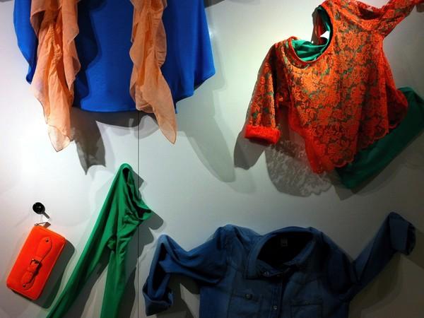 Färgfest på Gina Tricot