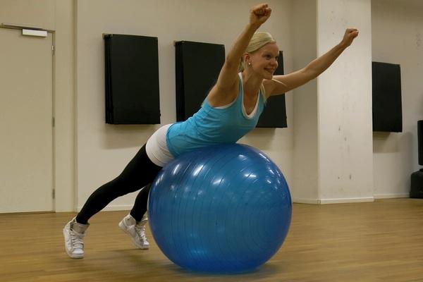 rygglyft på boll