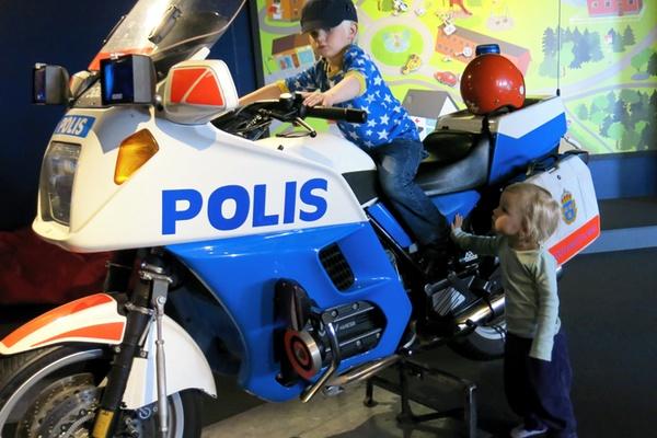polismtorcykel