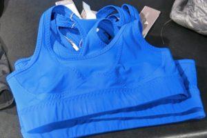 Snygg blå träningstopp