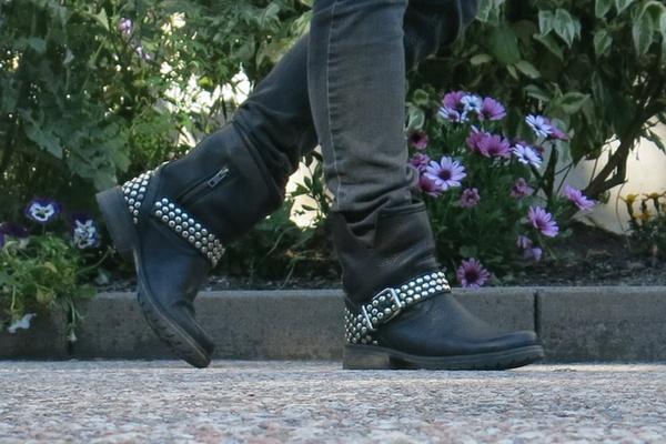 mina boots