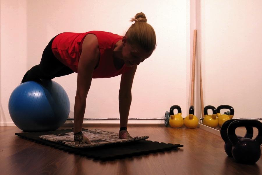 bra träningsprogram träningsboll