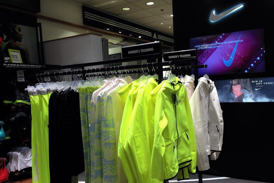 signalfärger på löparkläder Nike