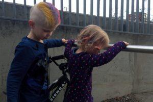 Nu har barnen varit till frisören igen