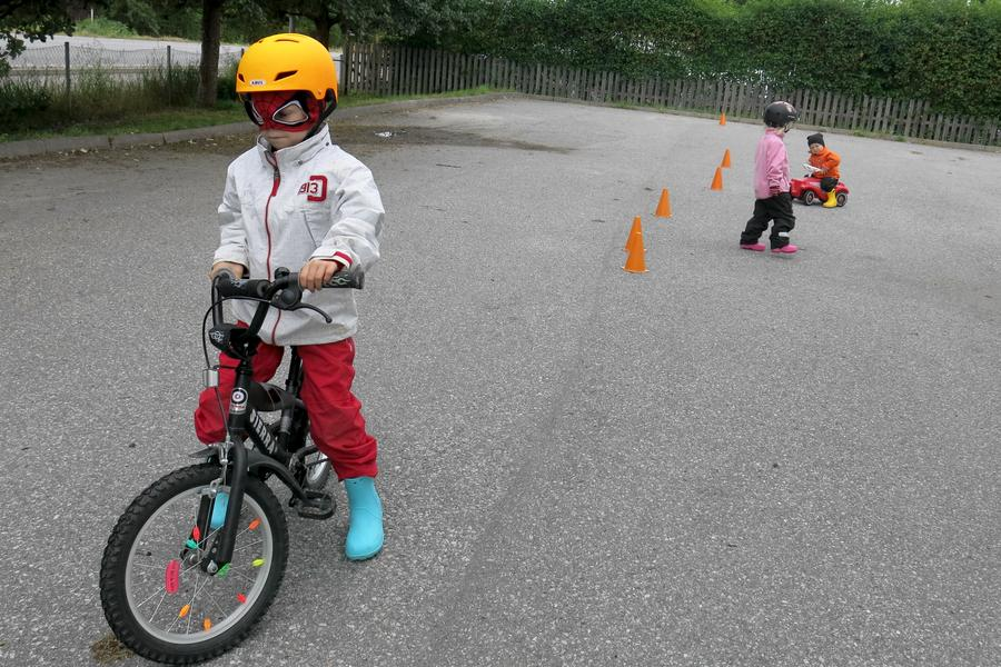 Bygger upp cykelbanan