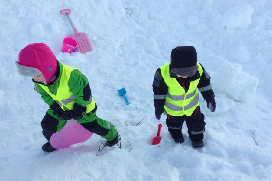 Leka i snön