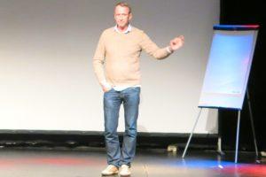 På föreläsning med Per Holknekt