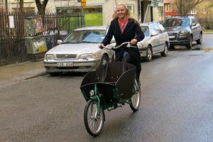 En av två varianter lådcyklar jag testade på Cykelfabriken