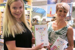 Jag och Anna med vår bok