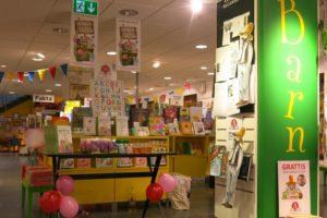 Bra barnboksavdelning på Akademibokhandeln Mäster Samuelsg