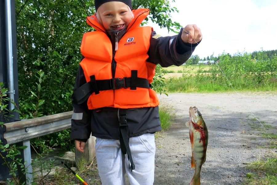 Glad för att fått fisk