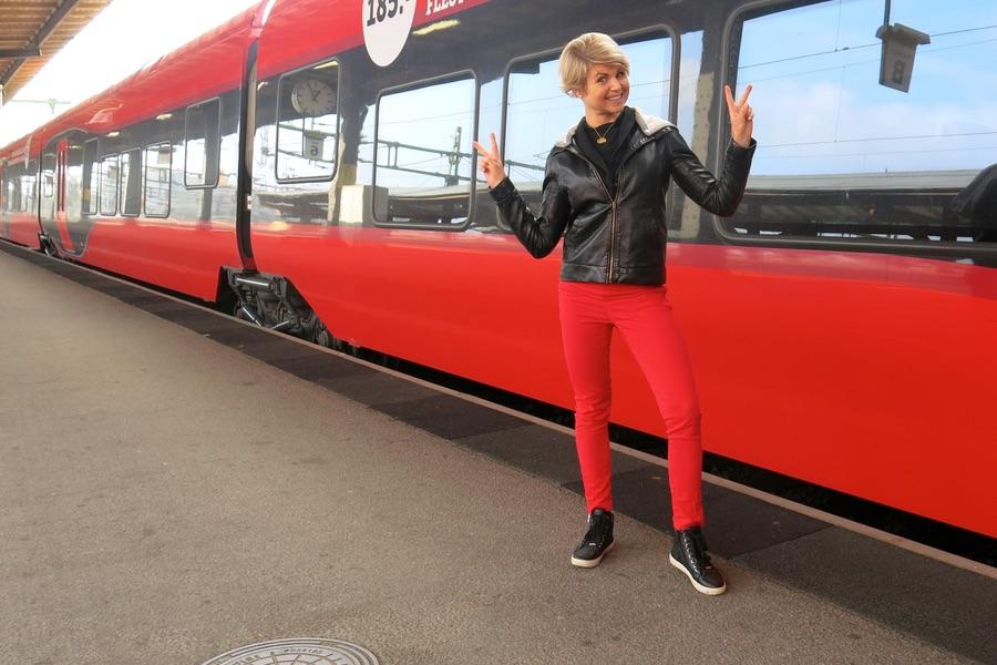 Anna gillar röda tåg
