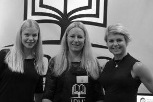 Jag, Ulrika, Anna i Idus monter på Bokmässan