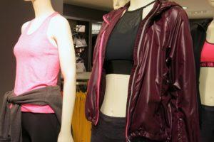 Träningskläder i vinrött och cerise