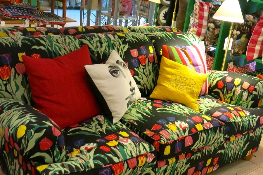 soffa i tulpanmönster