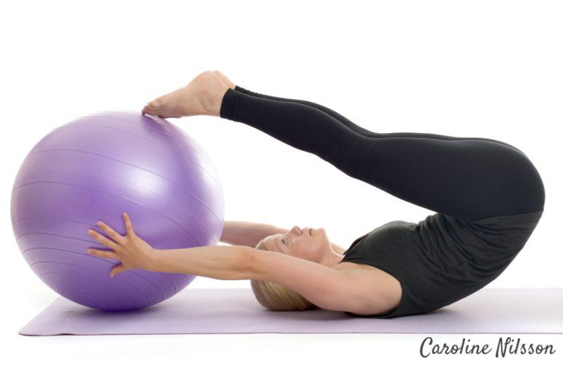 Magövning med träningsboll