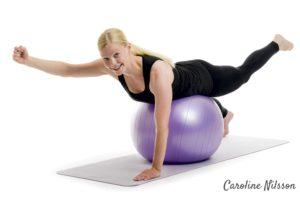 Diagonala rygglyft på boll