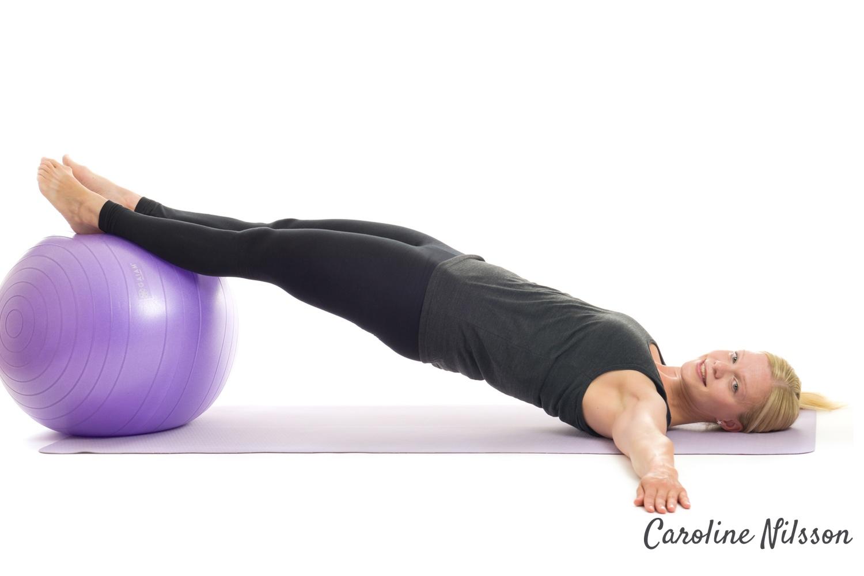 Höftlyft med raka ben är bra för styrka, balans och stabilitet