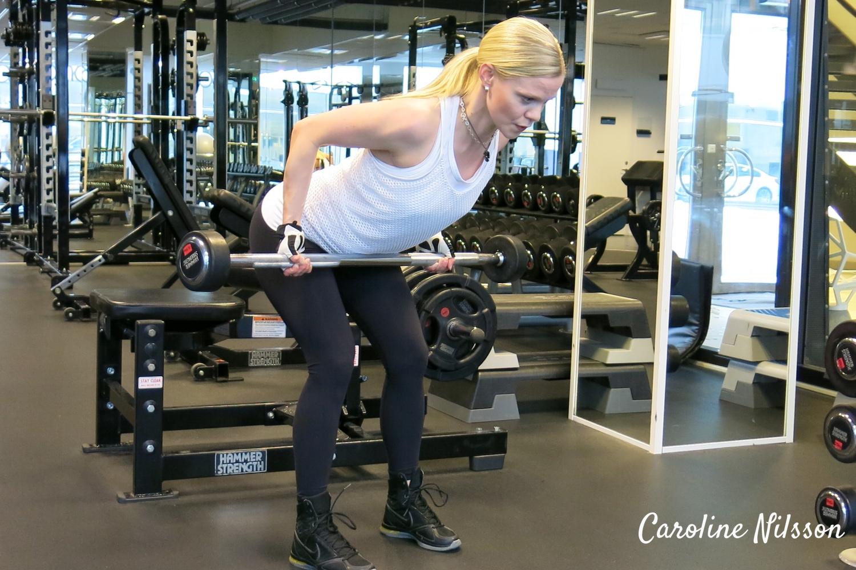 ryggträning rodd med stång