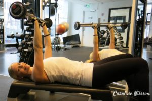 Tricepspress med stång